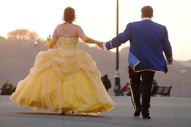 Minion Themed Wedding: 123WeddingCards