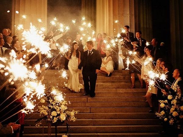 sparkler-send-off-wedding-exit