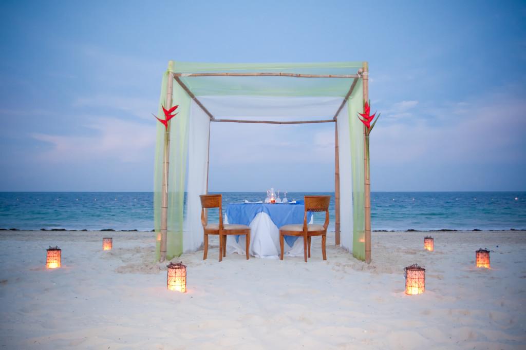 Romantic Location   123WeddingCards