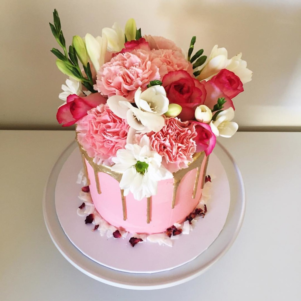 vanilla cake loaded with nutella Buttercream - 123WeddingCards