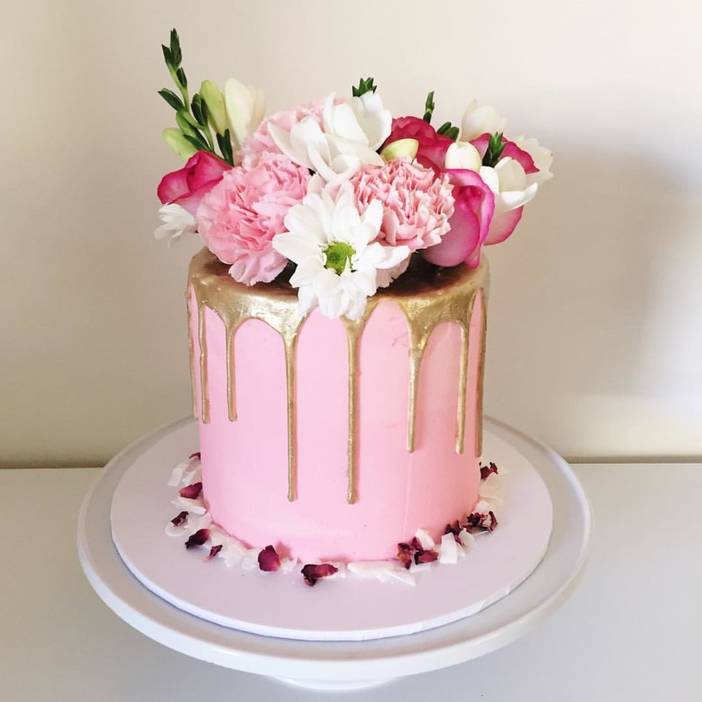 vanilla wedding cake floral theme - 123WeddingCards