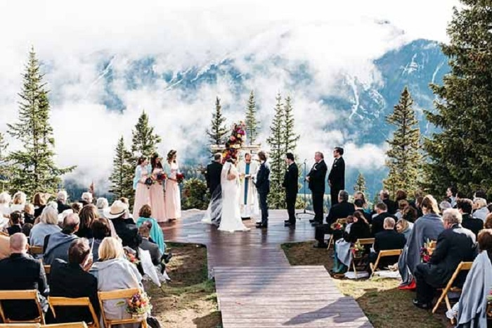 The-little-Nell-Aspen-Colorado-Wedding-Venue-123WeddingCards