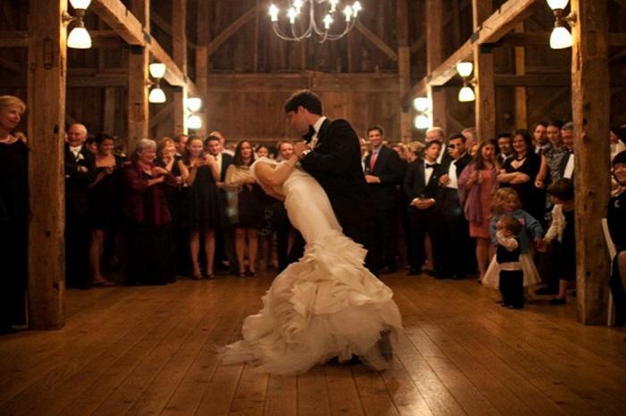 the-barn-at-walnut-hill-wedding-venue-123WeddingCards
