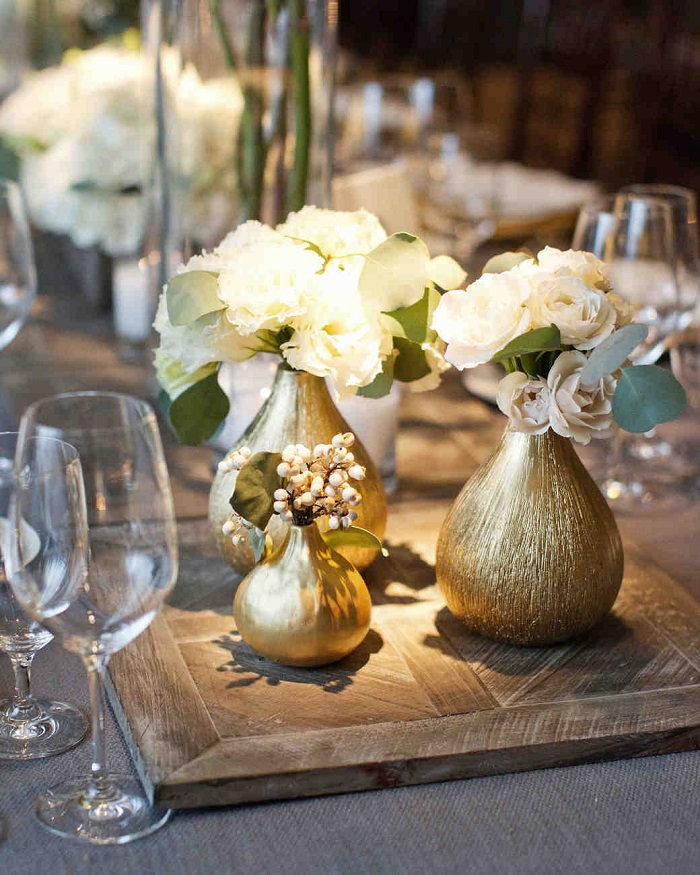 A metallic silver hue on your centerpiece