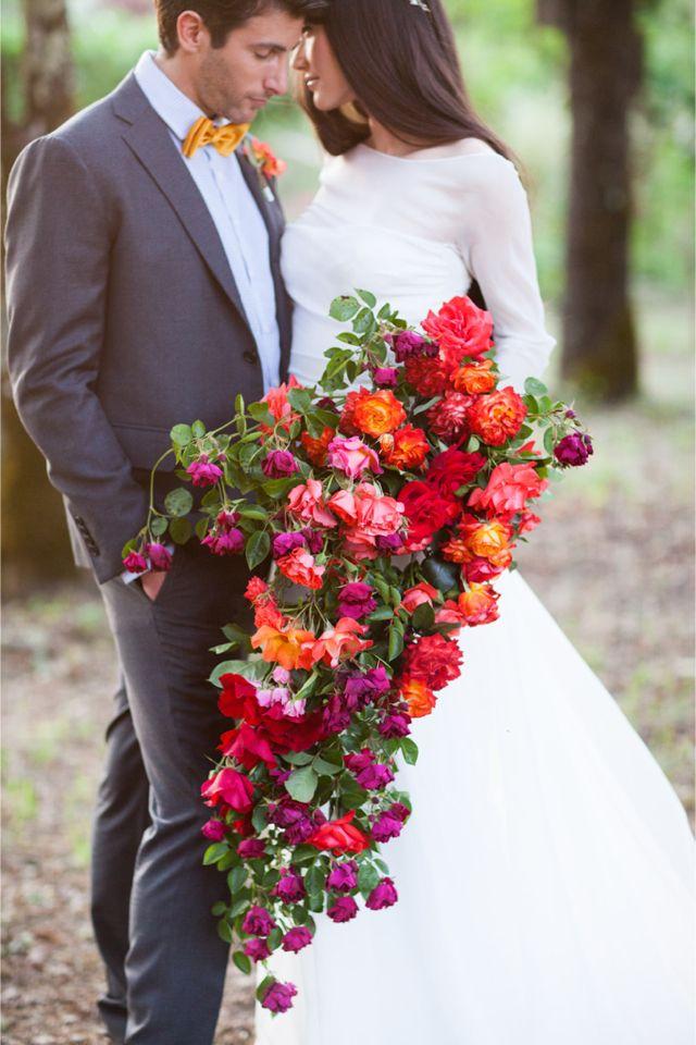 Huge bridal bouquets - 123WeddingCards