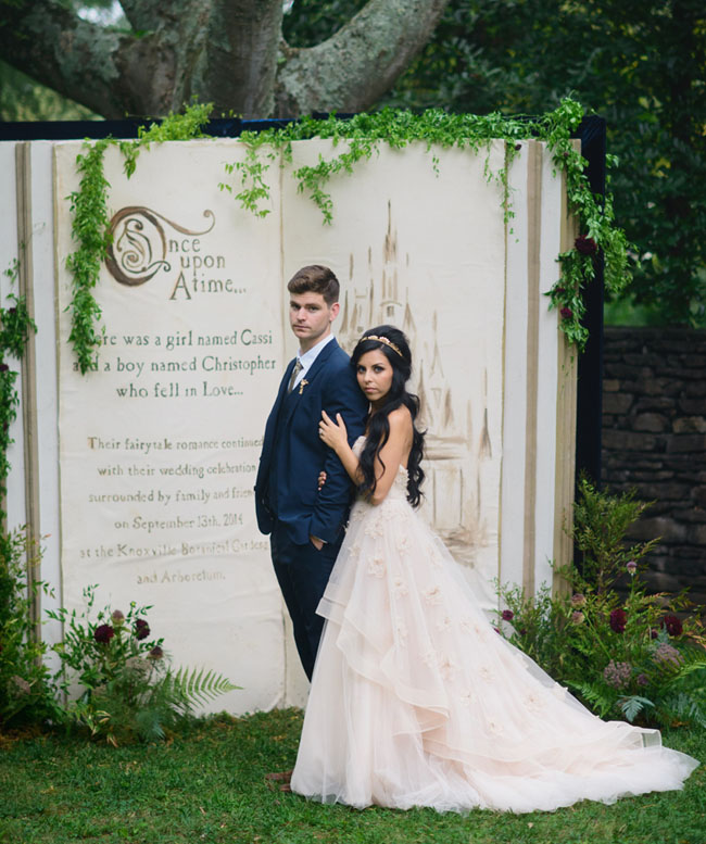 Fairy tale Backdrops idea for wedding photos