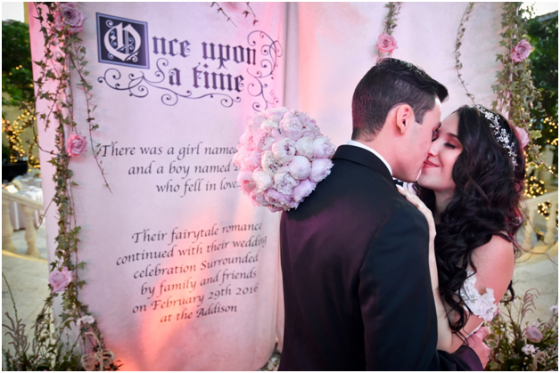 sign board as wedding photo props with cute little message_2