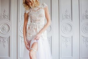 Everything you need to know about wedding garter tradition!- 123WeddingCards