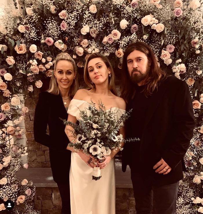 Liam Hemsworth weds Miley Cyrus