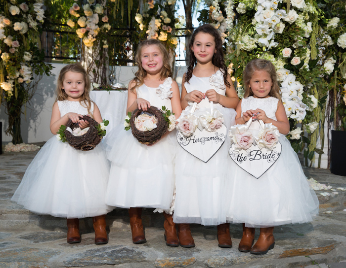 Pros of having kids in wedding