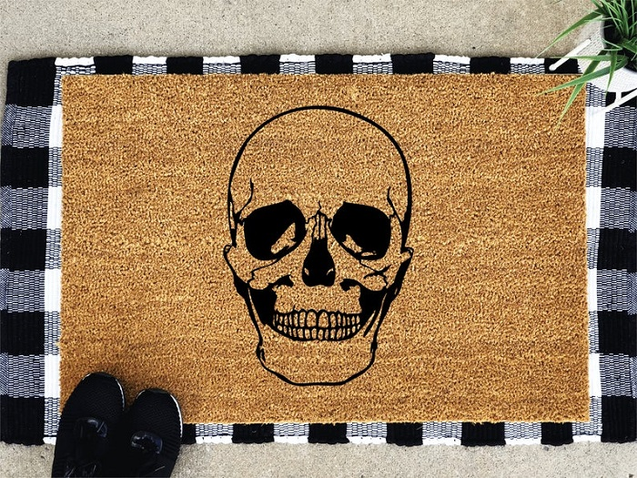Skull family doormat Halloween ideas