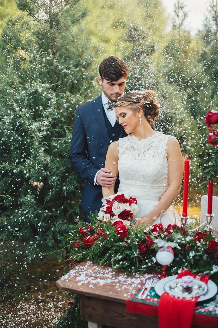 Christmas Theme Wedding Flower Decor - 123WeddingCards