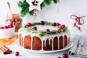 Christmas Wedding Cake Idea - 123WeddingCards