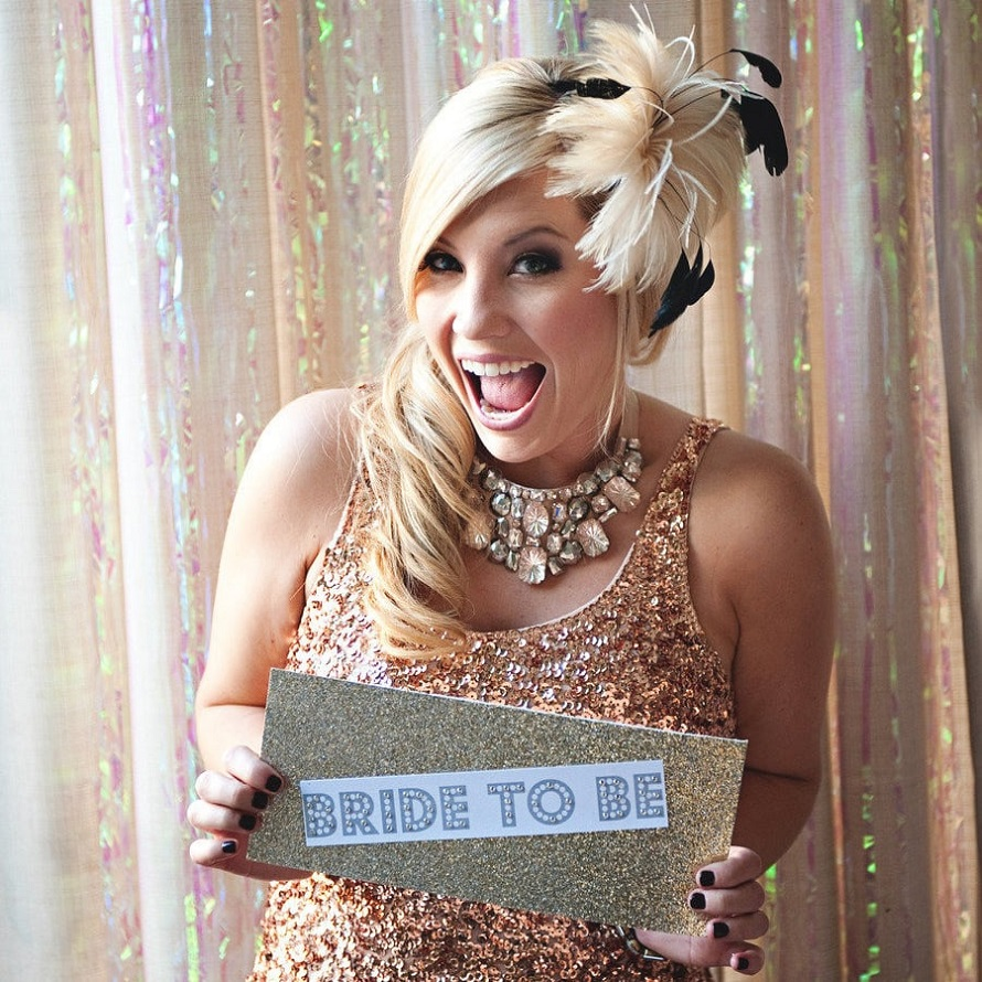 Get some glitter & glam to your wedding