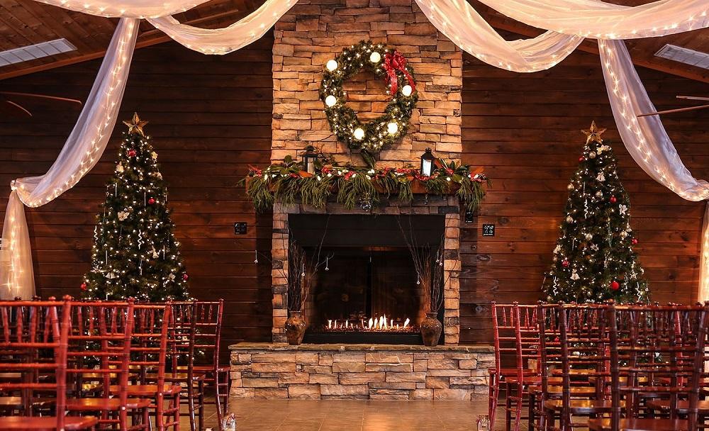 Ideas to Have a Classy Christmas Wedding - 123WeddingCards