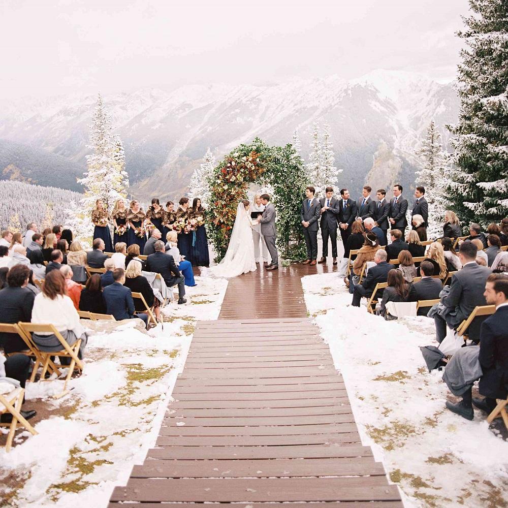 aisle decor christmas weddings - 123WeddingCards